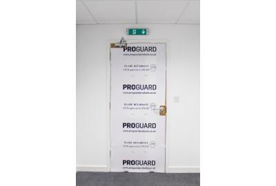 How to protect doors in transit and on site?